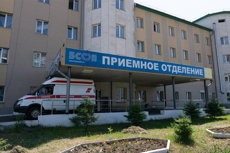 Как в период коронавируса работает одна из главных больниц Бурятии?